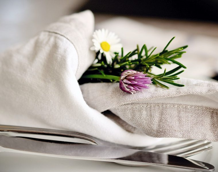 How to clean your Tea Linens